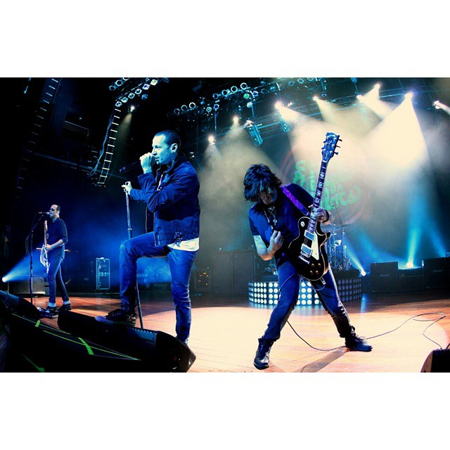 Stone Temple Pilots on Yahoo Screen on 4/27 at 9:15 PM EST